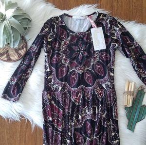 Novella Royale Mary long sleeve maxi dress
